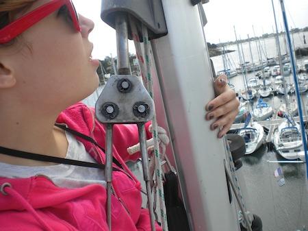Laura en haut du mât